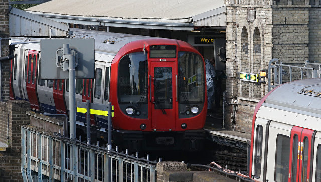 Платформа станции метро Parsons Green в западном Лондоне. 15 сентября 2017