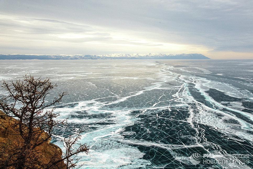 Вид на северную часть озера Байкал