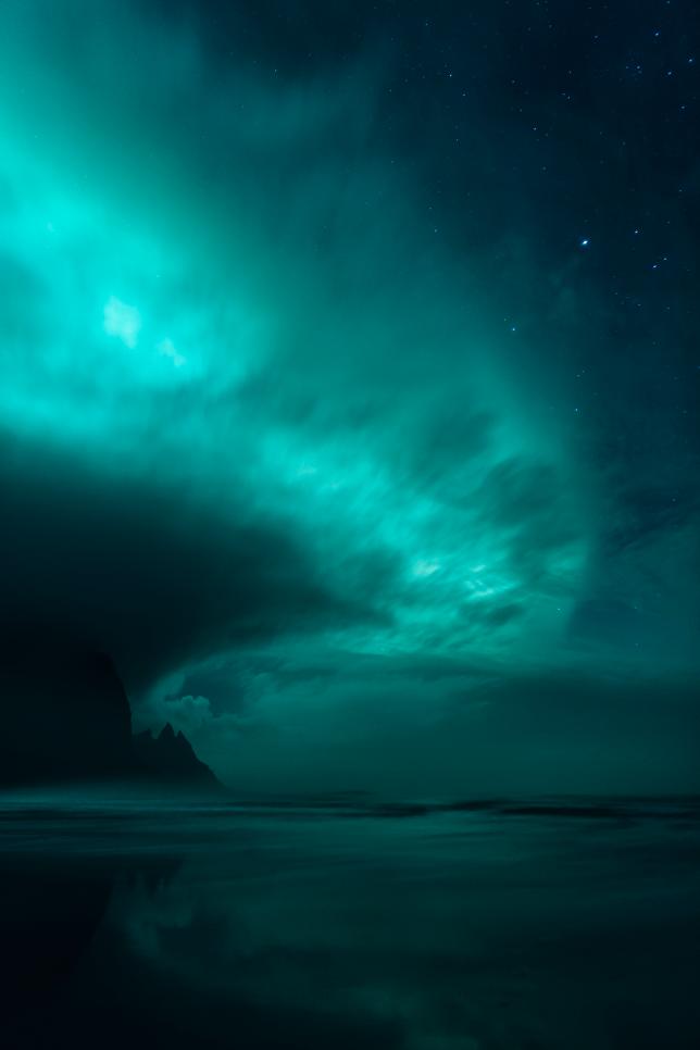 Снимок фотографа Миккеля Байтера из Дании Ghost World, победивший в категории Полярные сияния в фотоконкурсе Insight Astronomy Photographer of the Year 2017