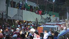 Первые моменты землетрясения в Мексике и спасательная операция на руинах