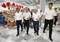 Глава Кубани Вениамин Кондратьев, председатель Заксобрания региона Владимир Бекетов на Кубанской ярмарке-2017