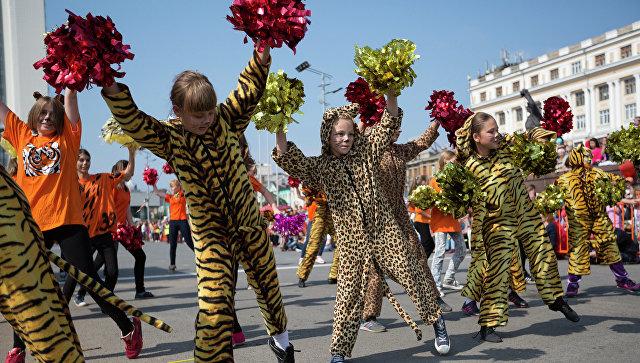 """Во Владивостоке """"тигриная"""" колонна в День тигра собрала 18 тысяч участников"""