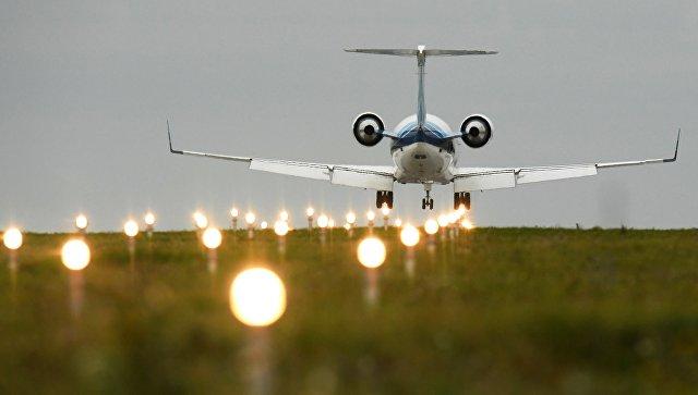 В Казани совершил вынужденную посадку самолет Embraer ERJ-135