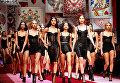 Модели во время показа Dolce & Gabbana на Неделе моды в Милане.