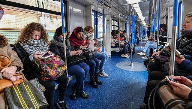 Наперегоне между станциями метро «Славянский бульвар» и«Парк Победы» случилось задымление