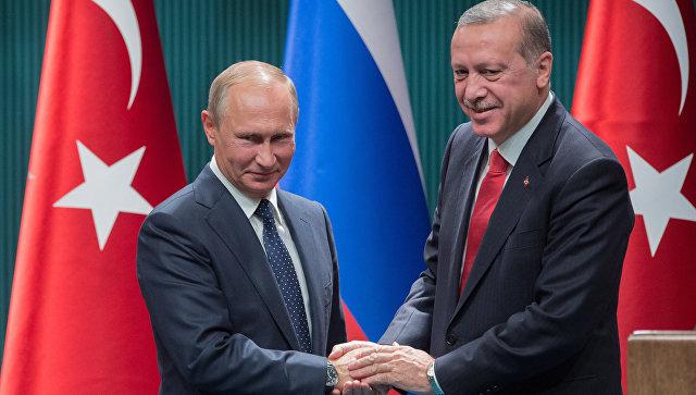 Президент РФ Владимир Путин и президент Турции Реджеп Тайип Эрдоган на пресс-конференции по итогам российско-турецких переговоров в Анкаре. 28 сентября 2017