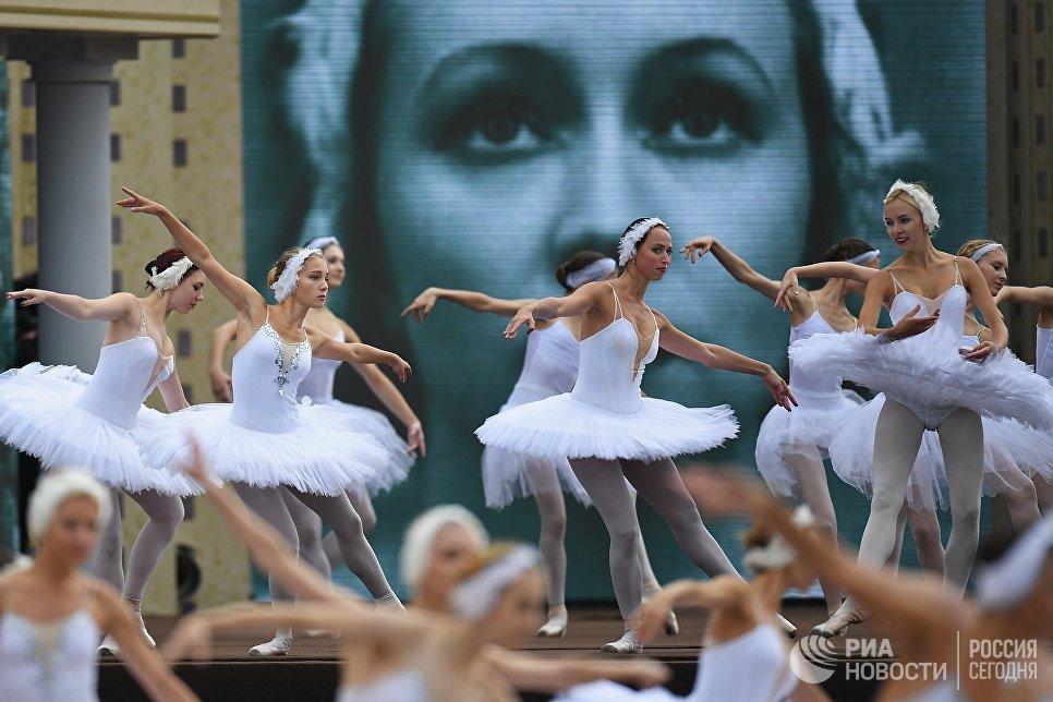 Артисты на Красной площади в День города
