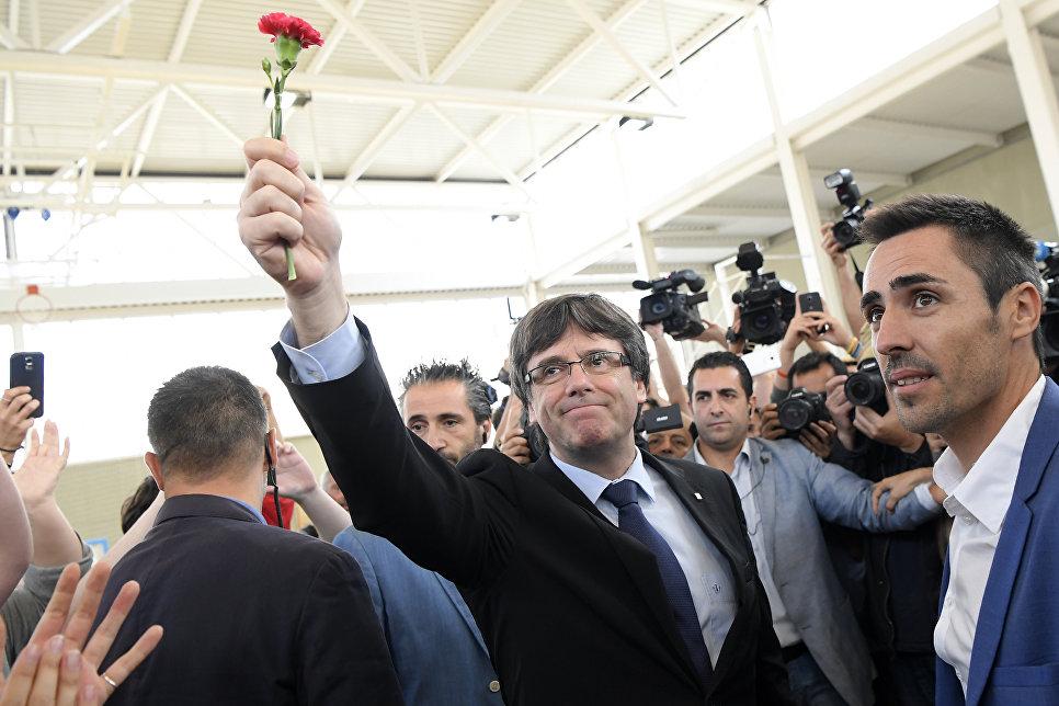 Глава правительства Каталонии Карлес Пучдемон на референдуме о независимости Каталонии, Испания. 1 октября 2017