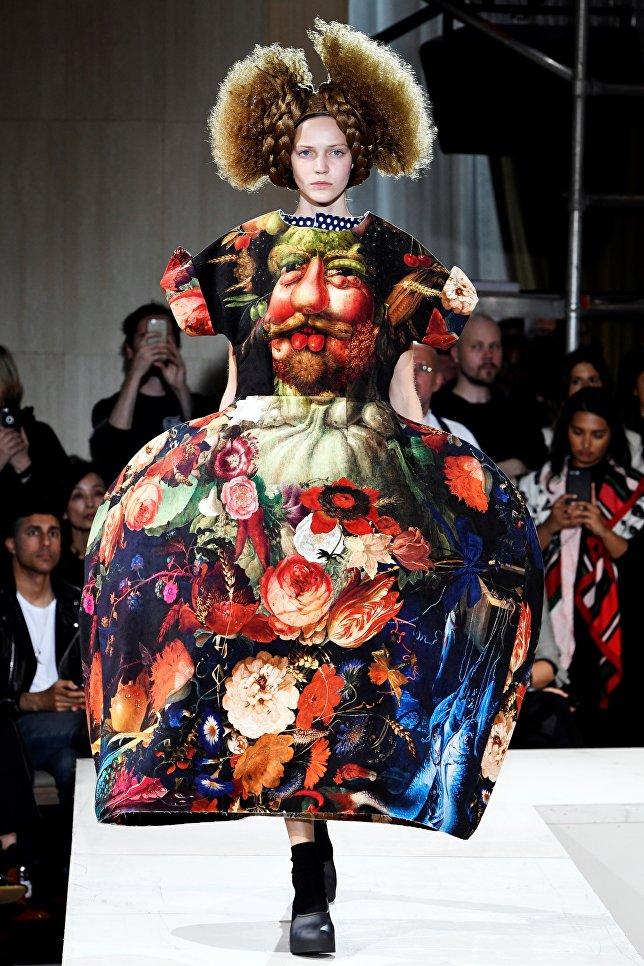 Показ коллекции Comme в рамках Недели моды в Париже