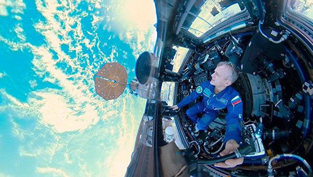 Русский космонавт снял первое вистории панорамное видео космоса
