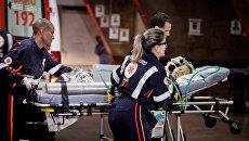 Сотрудники скорой помощи в Бразилии. Архивное фото