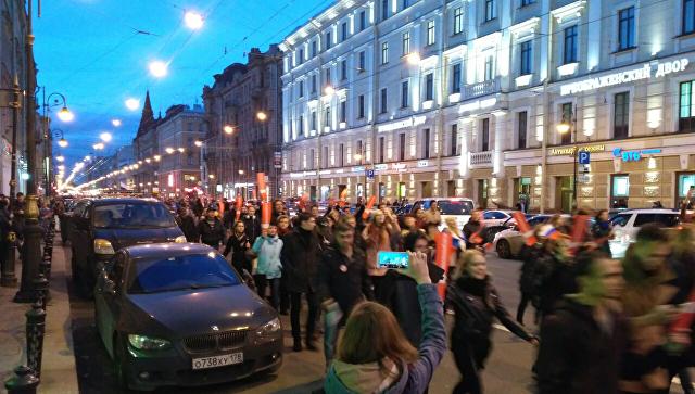 Участники несанкционированной акции протеста в Санкт-Петербурге. 7 октября 2017