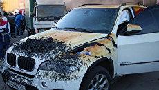 Машина, пострадавшая в результате пожара в торговом комплексе Синдика. 8 октября 2017
