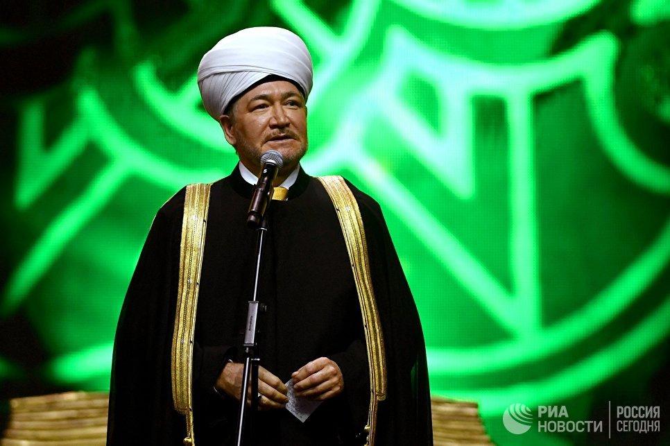 Председатель совета муфтиев России Равиль Гайнутдин на XVIII Московском Международном конкурсе чтецов Корана в Москве