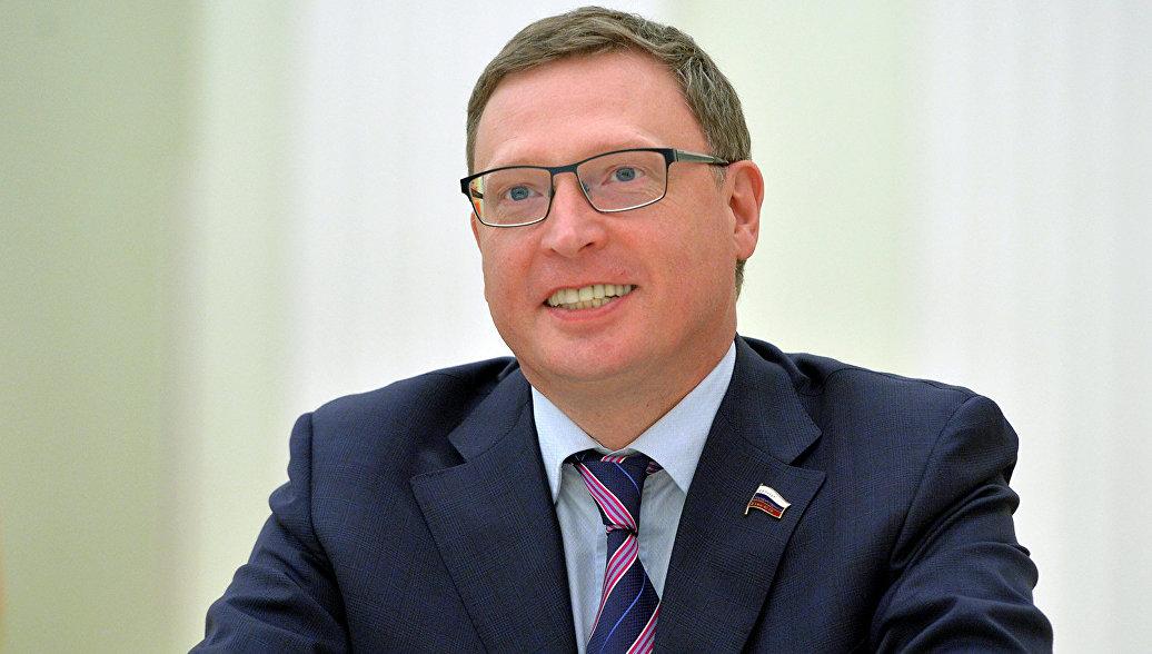 Омский губернатор Бурков мечтает попасть на стадион