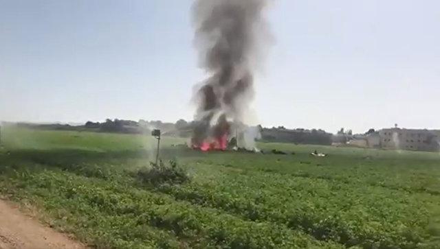 Последствия крушения самолёта Eurofighter на авиабазе Льянос. 12 октября 2017