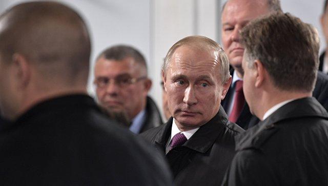 Путин поздравил Жээнбекова спобедой навыборах вКиргизии