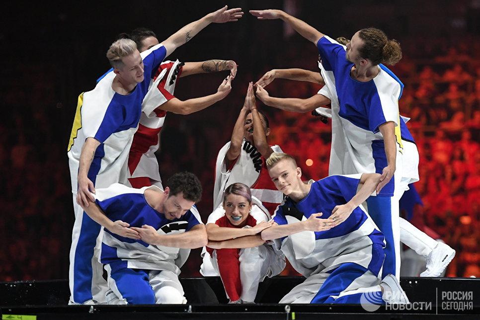 Театральное представление на церемонии открытия XIX Всемирного фестиваля молодежи и студентов в Сочи. 15 октября 2017