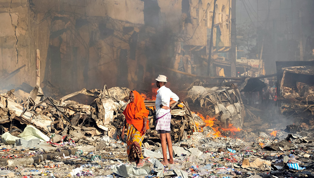 На месте врзыва в Могадишо в Сомали. Архивное фото