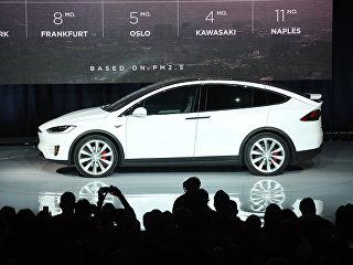 Автомобиль Tesla X