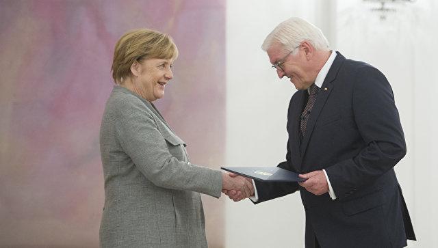 Президент Германии поручил Меркель продолжать исполнять обязанности канцлера