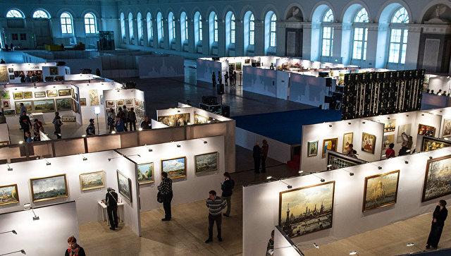 """В московском """"Манеже"""" открылась выставка об истории кадетских корпусов"""