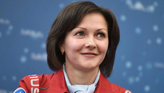 Участница эксперимента Елена Лучицкая во время пресс-конференции наземного эксперимента по моделированию полета к Луне SIRIUS-17 в Москве. 7 ноября 2017