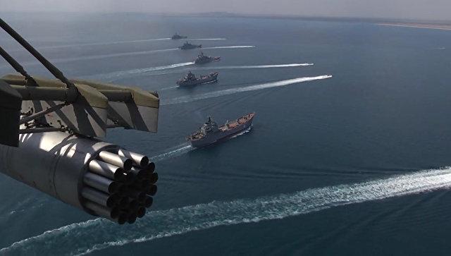 Корабли Черноморского флота во время учений в Крыму. Архивное фото