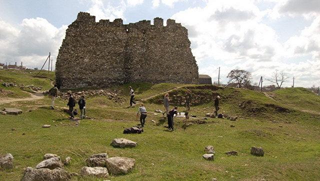 Башня на территории историко-археологического заповедника Неаполь Скифский. Архивное фото