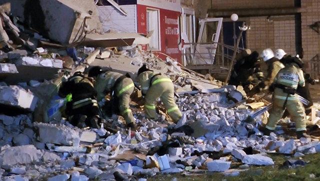В Ижевске часть жилого дома обрушилась с первого по девятый этаж