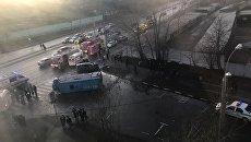 ДТП на юго-западе Москвы на улице Обручева с участием микроавтобуса. 12 ноября 2017