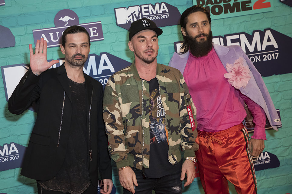 Группа Thirty Seconds to Mars до церемонии MTV Europe Music Awards