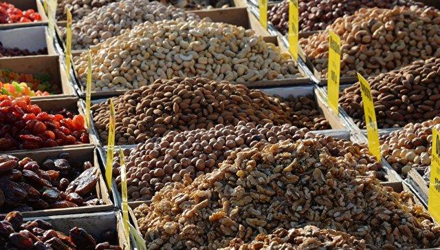 Орехи и сухофрукты. Архивное фото