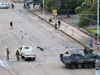 Военные в столице Зимбабве Хараре. Архивное фото