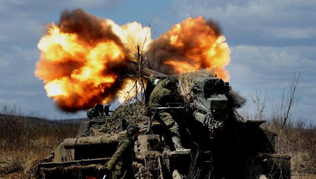 Стрельбы самоходных артиллерийских установок 2С5 Гиацинт. Архивное фото