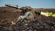 Американский переносной противотанковый ракетный комплекс (ПТРК) FGM-148 Javelin. Архивное фото