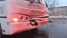 Послдствия ДТП с участием автобусов марки  ПАЗ в городе Ярославле на проспекте Авиаторов. 21 ноября 2017