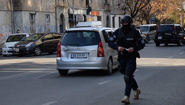 Сотрудник полиции в Тбилиси. Архивное фото