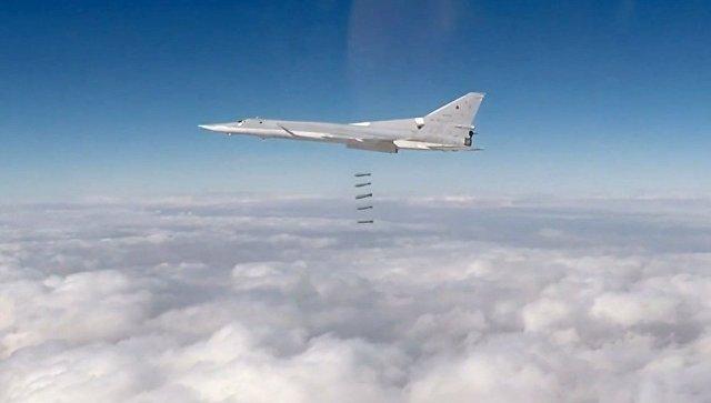 Авиаудар дальних бомбардировщиков ВКС РФ. Архивное фото