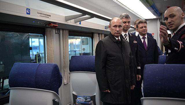 Президент РФ Владимир Путин посетил депо на железнодорожной станции Москва-Киевская. 29 ноября 2017