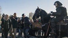 Участники протестов и сотрудники правоохранительных органов в ходе столкновений в Иерусалиме. 8 декабря 2017