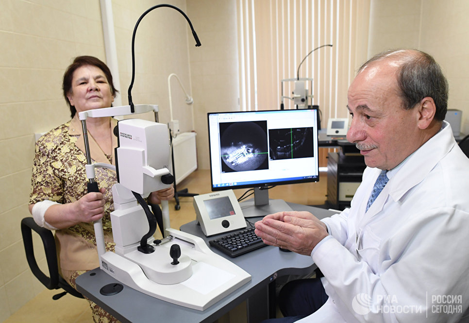 Второе зрение: как люди учатся видеть мир при помощи бионических глаз