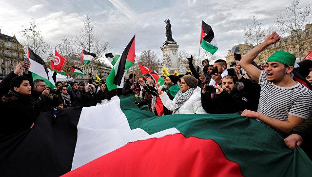 ВоФранции прошли протесты против решения Трампа поИерусалиму