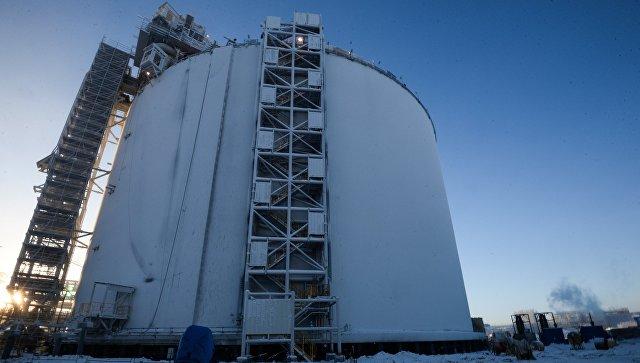 Резервуар на строящемся заводе по производству сжиженного газа Ямал СПГ. Архивное фото