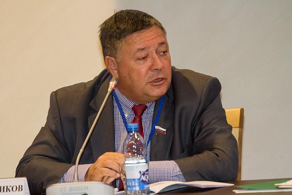 Председатель Комиссии Парламентского Собрания по экономической политике Сергей Калашников