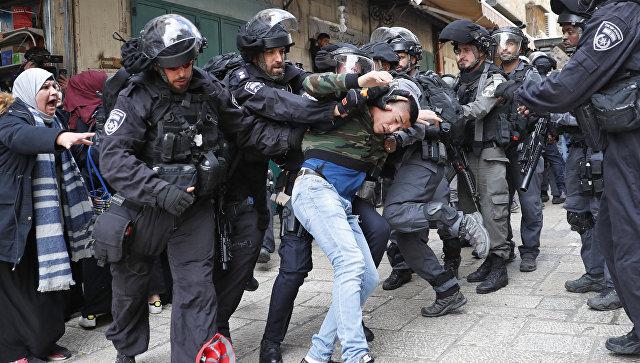 Столкновения ппалестинцев с сотрудниками правоохранительных органов Израиля в Иерусалиме. 15 декабря 2017