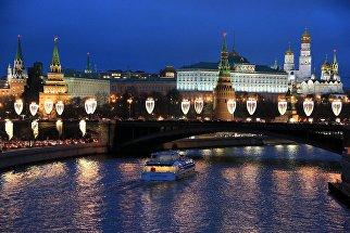 15 декабря Москва превратилась в новогоднюю столицу - в городе одновременно зажглись более 20 миллионов светодиодных огней.