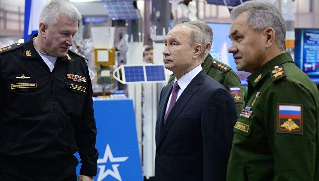 Президент РФ Владимир Путин во время посещения Военной академии РВСН имени Петра Великого