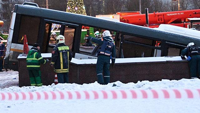 В клиниках остаются еще девять пострадавших вДТП савтобусом в российской столице