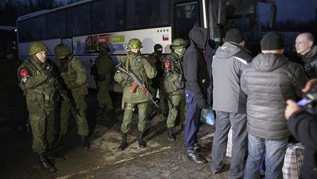 """Аналитик: в процедуру обмена пленными украинская сторона """"подсыпала дегтя"""""""